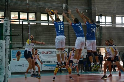 Volley: Castellana Grotte-Ortona