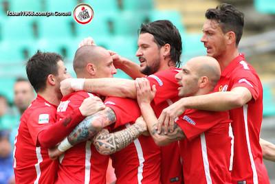 Serie B, Bari-Pro Vercelli 6-2: galletti a valanga davanti al proprio pubblico