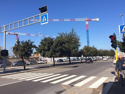 16-11-16-nuovo-impianto-semaforico-a-chiamata-in-viale-pasteur