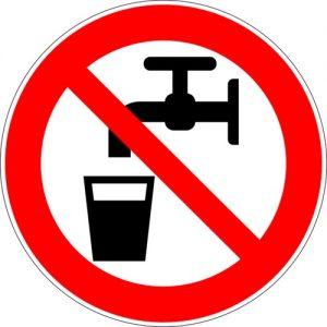 divieto-bere-acqua-non-potabile