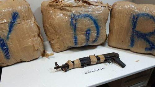 Maxi sequestro di marijuana e di un kalashinikov: arrestati quattro albanesi e un salentino