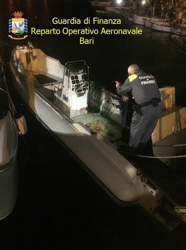 Vieste, sequestrato gommone con quasi una tonnellata di marijuana a bordo