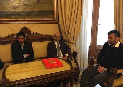 decaro incontra consigliere d'affari ambasciata mauritius