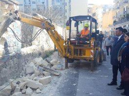 ex rossani - demolizione muro via gargasole