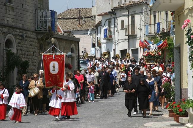 san filippo neri roseto la processione
