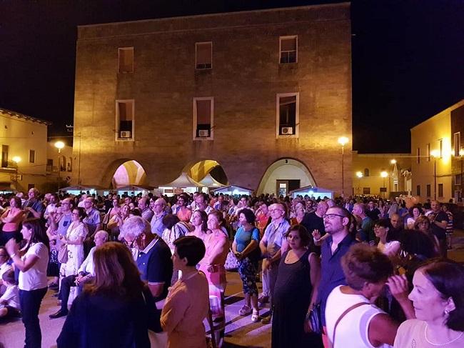 Com'è bello il Borgo en Rose: grande festa all'Incoronata