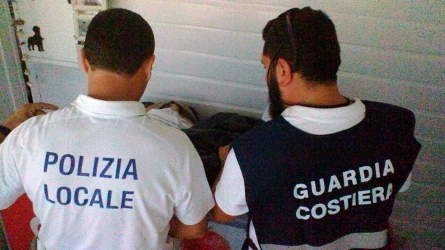 sequestri polizia locale e guardia costiera