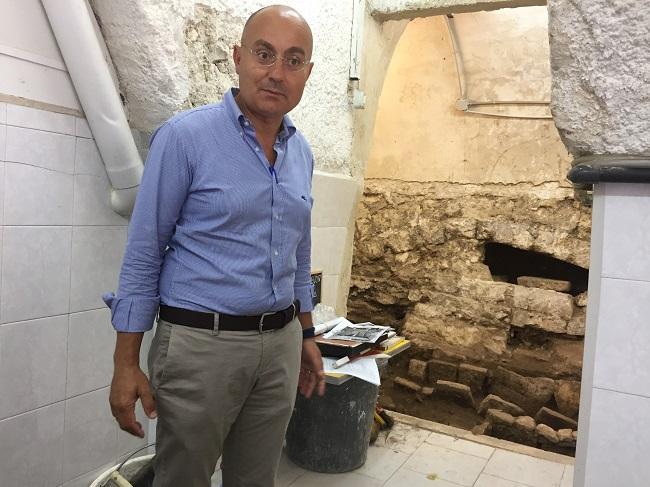 scavi tombe strada annunziata