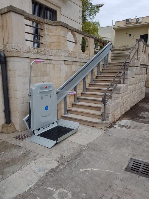 installata piattaforma elevatrice nella scuola elementare fraccacreta