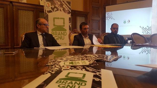 conferenza stampa brand gnu
