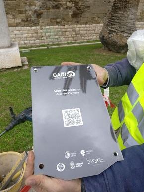 operazioni di montaggio 60 paline informative bari guest card