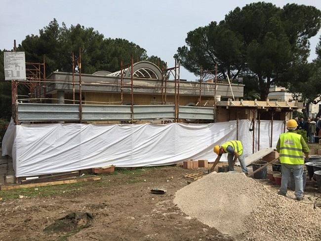 cantiere recupero bar di parco 2 giugno - terminata metà dei lavori