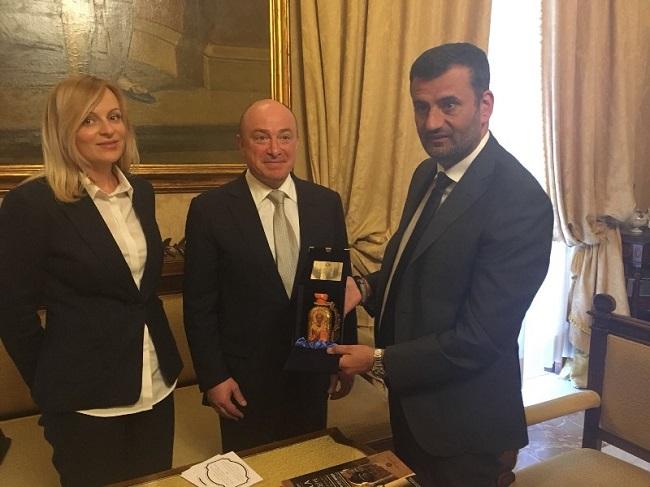 incontro tra il sindaco e michail abramov