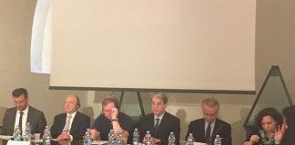 sindaco alla presentazione della mostra 'l'icona russa' al castello svevo