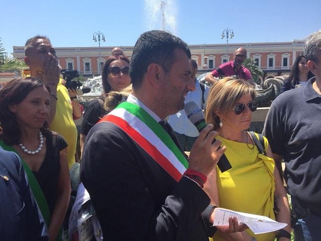 lapide in ricordo delle vittime del disastro ferroviario del 12 luglio 2016