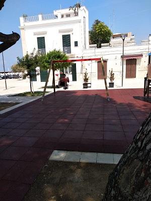consegnata nuova area gioco in piazza san francesco a santo spirito