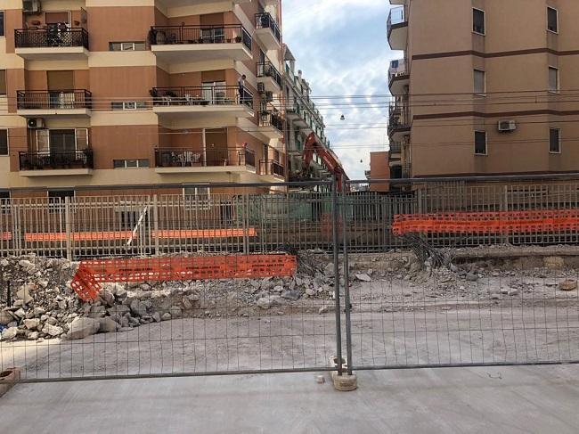 demolizione passerella pedonale