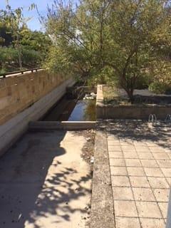 vasca di raccolta dove erano abbandonate le obike