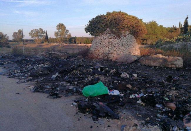 combustione illecita di rifiuti nelle vicinanze della tangenziale ovest