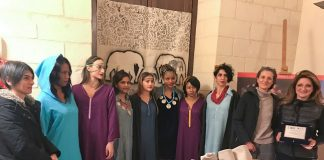 le modelle con gli assessori silvia miglietta e rita miglietta e yasmina antonia filali (ultima a destra)