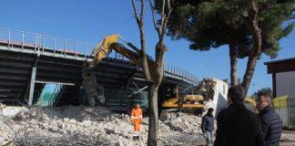 sopralluogo del sindaco durante i lavori di demolizione delle tribune dello stadio 'puttilli'