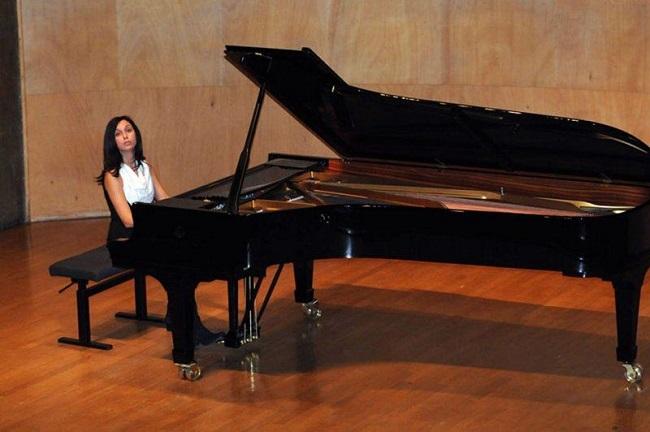 maria gabriella bassi (al piano)