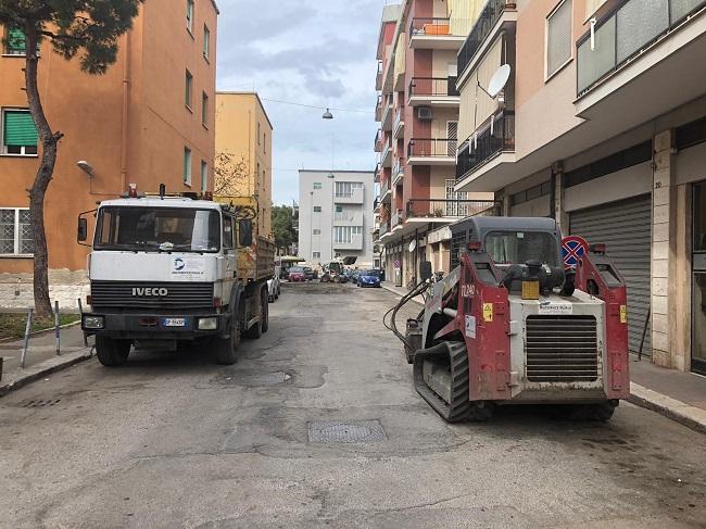al via i lavori di rifacimento dell'asfalto in via de lilla a cura di open fiber