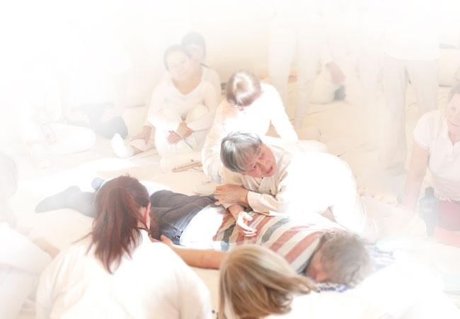 maestro ohashi mentre insegna la tecnica