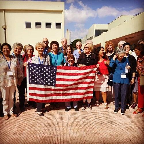 i global volunteers al polo liceale di monopoli