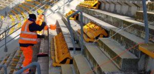 avviati lavori di rimozione seggiolòini tribuna est superiore stadio san nicola