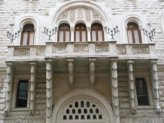 bari palazzo acquedotto avvocati patrimonio