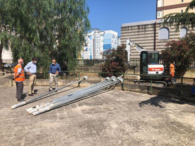 lavori per impianto di illuminazione nel giardino tra via caladarola via dei caduti partigiani