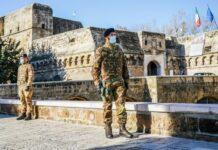 militari in attività di controllo nella città di bari