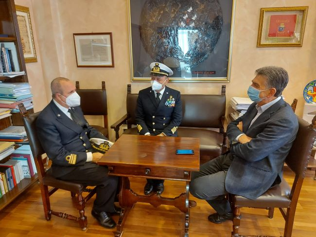 ospedale da campo barletta della marina militare, incontro sindaco - comandante