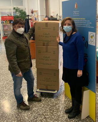 coldiretti puglia dona 200 kg di prodotti alimentari a km 0 alle persone e alle famiglie in difficoltà