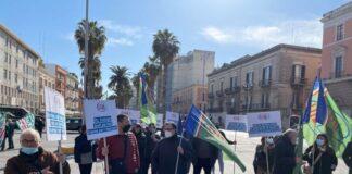 terminata la mobilitazione dei lavoratori agricoli davanti alla prefettura di bari