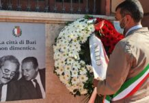 29° anniversario della strage di via d'amelio -il sindaco depone una corona di fiori sulla facciata esterna di palazzo di città