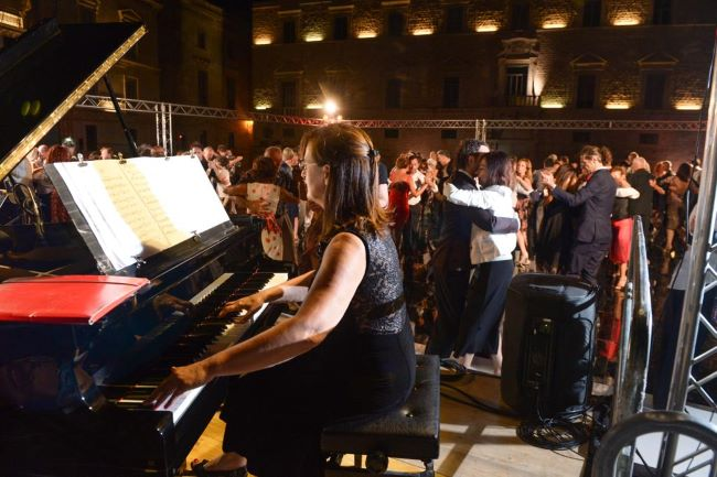 fdt, orchestra dal vivo