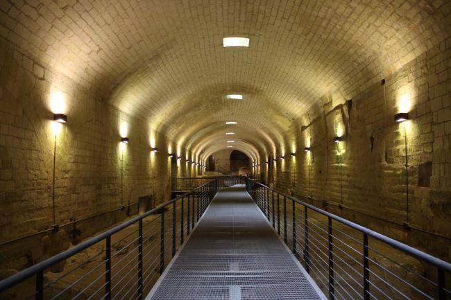attraverso il castello - sotterranei