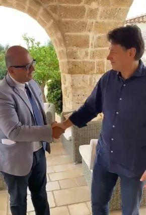 giovanni barletta, sindaco di villa castelli, incontra l'ex premier conte