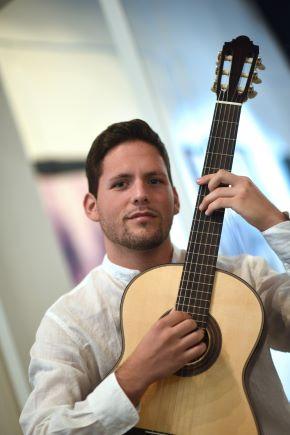 davide picci (con chitarra)