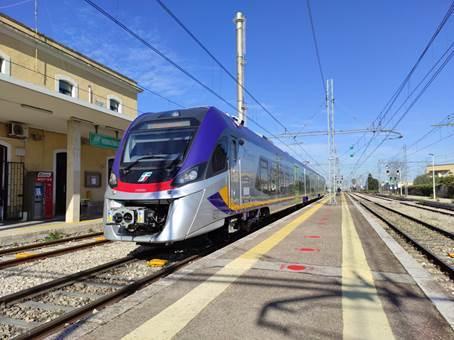 ferrovie del sud est (treno)