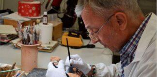il laboratorio di restauro del museo marta