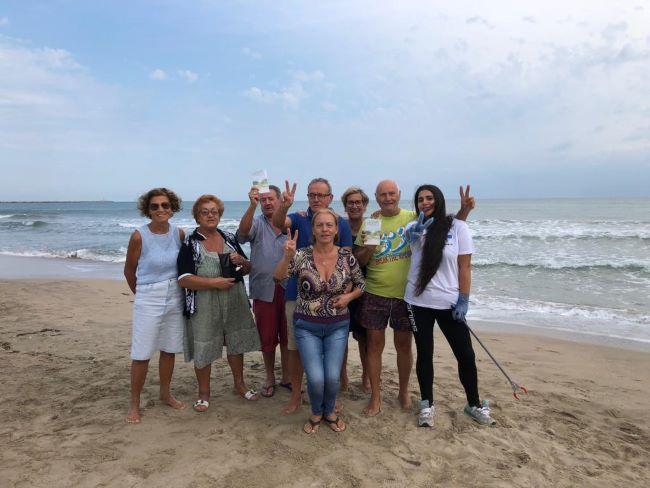 la via della felicità torna sulla spiaggia di levante a barletta